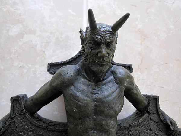 十字架 クロス 悪魔 サタン オブジェ 置物
